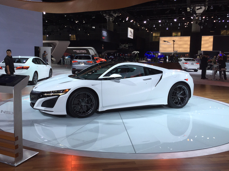 acura nsx 2015 white. 2017 acura nsx in 130r white 2015 la auto show photo by tyson hugie nsx x