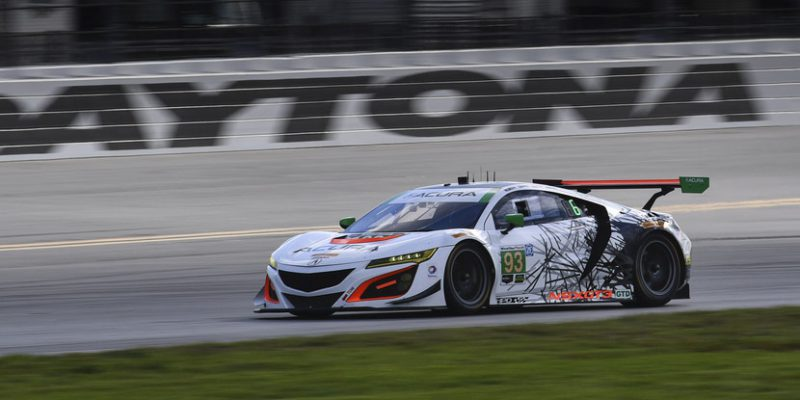 Acura NSX GT3s Qualify 7th and 9th for Rolex 24
